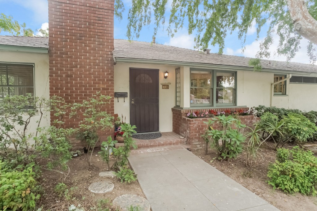 76 N Canon Ave. Sierra Madre| Now $799,000!