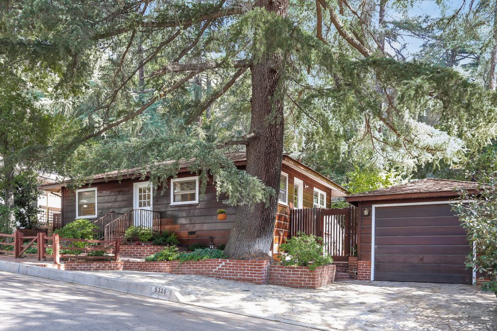 売れました! 5326 Palm Dr. La Canada Flintridge